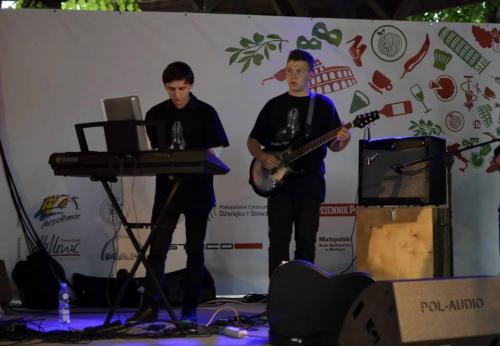 1. 2014 Chobot Blues Band